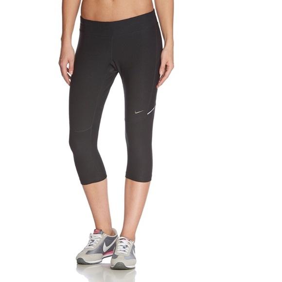 affae3762a2b Nike Women s Filament Capri Running Tights XS. M 5a809f159a94556ba5475fc3